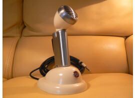 Shure 520 Controlled Reluctance (petite balle labellisé RCA) 1952