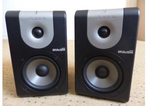 Alesis M1Active 520 (30021)