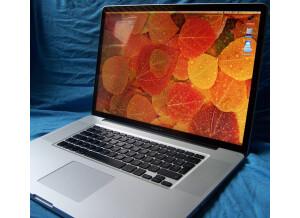 Apple Macbook Pro 17 Unibody (22670)