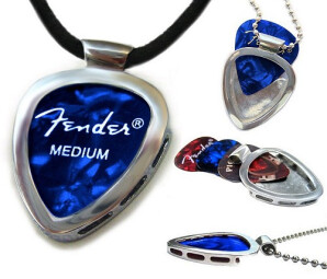 PickBay Holder Necklace : Pickbay Holder Necklace (Article)
