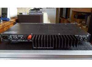 Hughes & Kettner CF200 (75400)