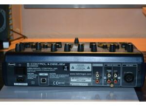 Behringer B-Control Deejay BCD2000