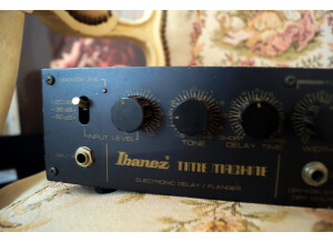 "Ibanez AD-190 Analog Delay ""Time Machine"""