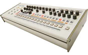 Roland TR-09 : tr 09 angle 2 gal