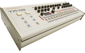 Roland TR-09 : tr 09 angle gal