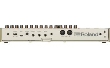 Roland TR-09 : tr 09 rear gal
