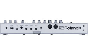 Roland TB-03 : tb 03 rear gal