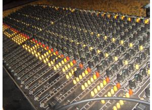 Studiomaster 16/4/2 (77383)