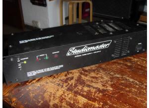 Studiomaster 16/4/2 (53942)