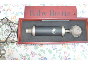 Blue Microphones Baby Bottle Shock