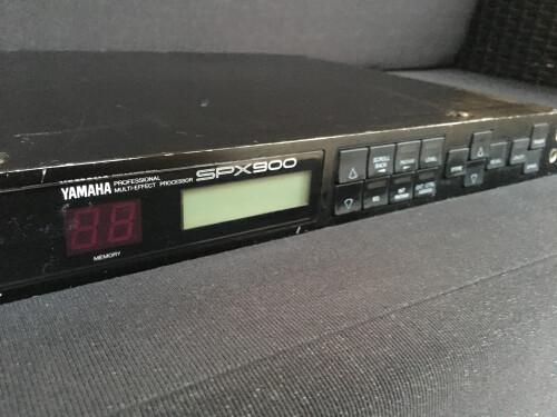 Yamaha SPX900 (73757)