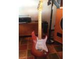 VENDS : Fender Stratocaster Select Dark Cherry Burst 2011