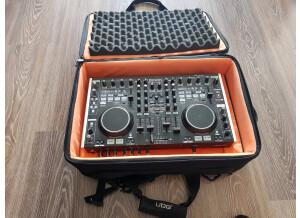 Denon DJ DN-MC6000 (79625)