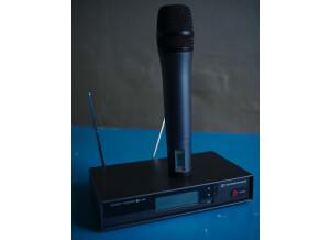 mic hand 02