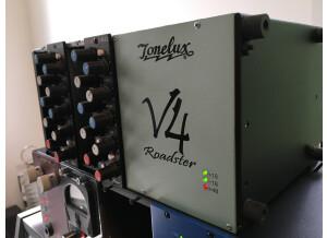 Tonelux V4 Roadster