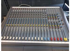 Soundcraft Delta 200 16/4
