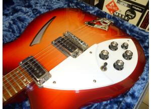 Rickenbacker 330 LH