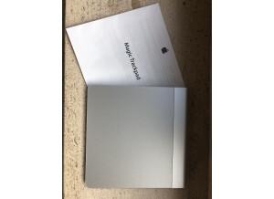 Apple magic trackpad (172)