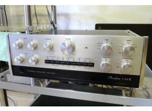 Accuphase C200