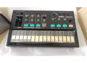 Behringer MICROMIX MX400 (59376)