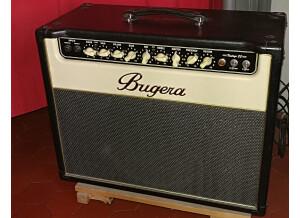 Bugera V22 (87857)