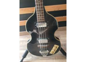 Johnson Guitars Beatles Bass