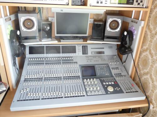 Tascam TM-D8000 (24304)