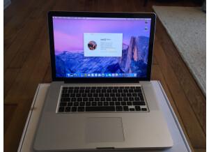 """Apple MacBook Pro 15"""" Core i7 quadricœur à 2,0 GHz (36482)"""