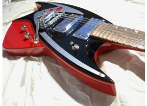 Eastwood Guitars Backlund 400 DLX (69361)