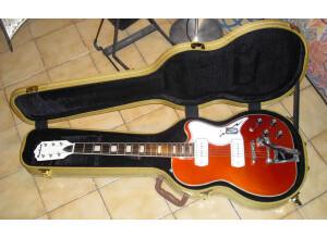 Eastwood Guitars Airline Tux Deluxe