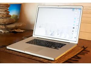 Apple Macbook Pro 17 Unibody (97431)