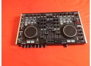 Denon DJ DN-MC6000 (2562)
