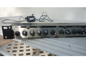 Amt Electronics SS -10 Pro Studio Rackmount Guitar Preamp