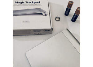 Apple magic trackpad (74616)