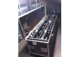 Vends 24 projecteurs PAR 64, en 4 Barres de 6, câblés, dans 2 Grands FLIGHT CASE à Roulettes + ABR