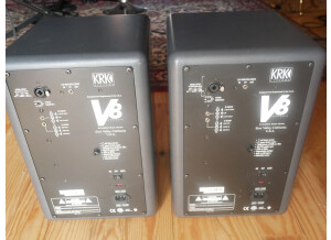 KRK V8