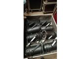 Vends 8 Projecteurs PAR 64 (1.000 Watts chacun) (220 volts) dans 1 Grand FLIGHT CASE à roulettes