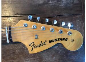 Fender MG69-85CO