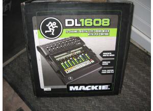 Mackie DL1608