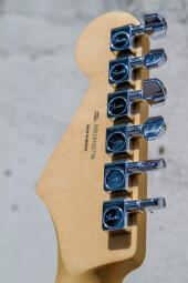 StratocasterPlayer-9