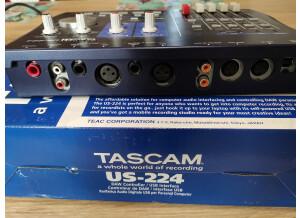 Tascam US-224