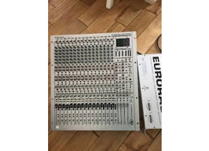 Behringer Eurorack MX3242X