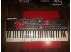 Dave Smith Instruments Prophet REV2 16 voix (78334)
