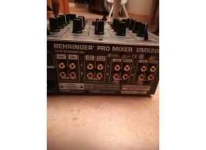Behringer VMX100
