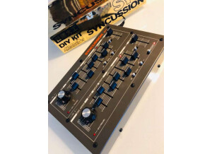The Human Comparator Syncussion SY-1 (12102)