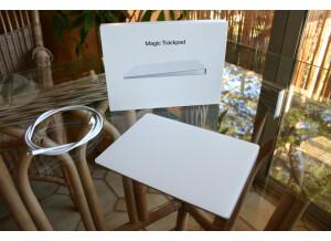 Apple magic trackpad (64632)