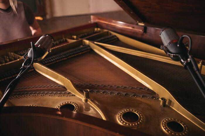 Hero-R84-Grand-Piano