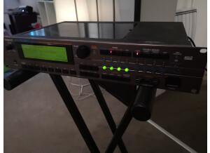 Roland XV-5080 (73602)