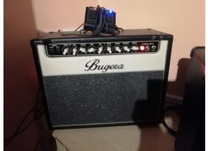 Bugera V22 (99745)