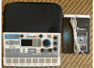 Arturia SparkLE Creative Drum Machine (94849)